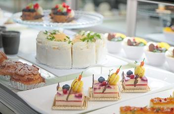 1F オールディダイニング ウィンザー ケーキ販売